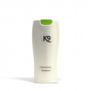 blackness shampoo k9 competition 300 ml - toelettatura cani, specifico per cani con il manto nero